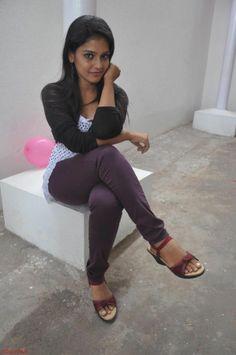 Beautiful actress - film Saravanan Engira Surya