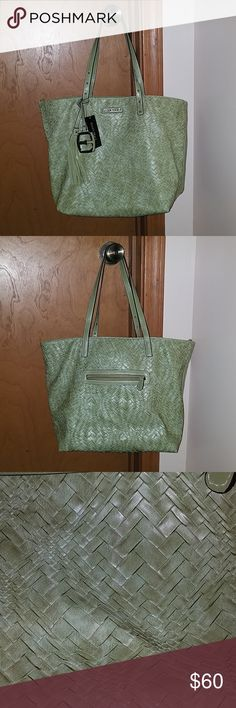 2c232ea74c NWT Ellen Tracy Shoulder Bag NWT This bag is gorgeous and roomy! Features  one zippered