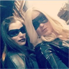 Caity Lotz & Jessica de Gouw - The Huntress & The Canary