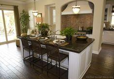 Traditional White Kitchen Cabinets #22 (Kitchen-Design-Ideas.org)