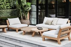 Discover our elegantly crafted outdoor collections. Made of teak with high performance textiles and cushions, XVL brings both beauty and functionality to the outside. Patio Lounge Furniture, Poolside Furniture, Timber Furniture, Garden Furniture Sets, Outdoor Furniture Sets, Furniture Design, Outdoor Sofa, Outdoor Living, Outdoor Decor