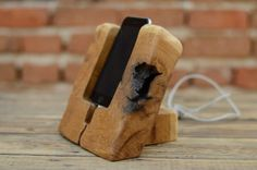Wooden+iPhone+6+stand,+Oak+wood+phone+holder,+iPhone+6s+dock,+Charging+station,+iPhone+dock+station,+Gift+ideas