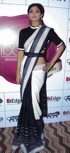 Bollywood Outfits, Bollywood Saree, Bollywood Fashion, Indian Beauty Saree, Indian Sarees, Ethnic Fashion, Indian Fashion, Indian Dresses, Indian Outfits