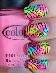 Acrylic nails are a good solution for dry, brittle nails. Find out how to apply and remove acrylic nails at home with lots of ideas for acrylic nail art. Neon Nail Art, Neon Nails, Cute Nail Art, Love Nails, Diy Nails, How To Do Nails, Pretty Nails, Nail Polish Designs, Cute Nail Designs