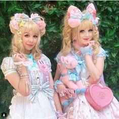 AKA males dressing in Lolita Fashions Gyaru Fashion, Harajuku Fashion, Kawaii Fashion, Lolita Fashion, Cute Fashion, Frilly Dresses, Pretty Dresses, Flower Girl Dresses, Petticoated Boys