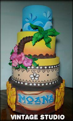 Luau Theme Party, Moana Birthday Party, Moana Party, Birthday Bash, First Birthday Parties, First Birthdays, Hawaiian Luau, Hawaiian Cakes, Mohana Cake