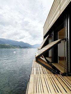 MHM Architects crean una casa barco en el lago austríaco de Millstatt.