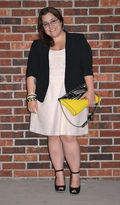 Style Cassentials: Second Time's a Charm Petite Fashion, Looking For Women, Size Clothing, Plus Size Outfits, Looks Great, Curvy, Cute Outfits, Charmed, Clothes