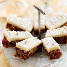 Christmas Cake Tray Bake - Woman And Home