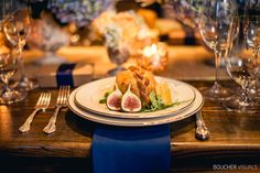 More from the Vermont Wedding Affair: Champlain Valley Creamery Triple Cream baked in puff pastry with honey comb & figs Spice of Life Catering Dartmouth, Figs, Vermont, Affair, Catering, Spices, Honey, Table Decorations, Cream