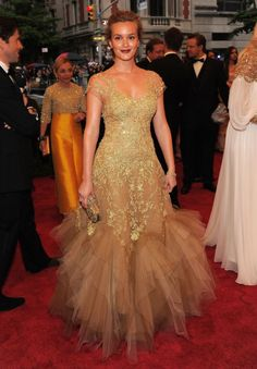 2 in 1 deal. One of my favorite actresses, Leighton Meester also my favorite character on Gossip Girl AND a Marchesa gown. :)