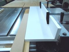 Ripping Long Taper at the Table Saw / Couper un long biseau au banc de scie – Atelier du Bricoleur (menuiserie)…. The Saw, Table Saw Jigs, Workshop, Dining Table, Woodworking, Home Decor, Band Saw, Woodworking Joints, Drill
