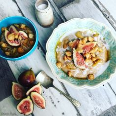 Almond Milk Oat Porridge, Cinnamon Apples, Maple Macadamia