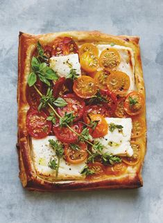 This Easy Toast Is Summer in its Heyday | Williams-Sonoma Taste Summer Snacks, Easy Snacks, Summer Recipes, Easy Meals, Savory Snacks, Easy Recipes, Healthy Snacks, Vegan Recipes, Quiches