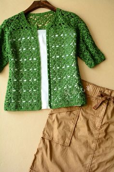 Crochet: green crochet cardigan with graphs!