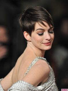 Anne Hathaway at UK premiere of Les Miserables in London - heart her hair