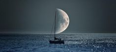Here is a helpful moon doubling as a boat's sail. Truly spectacular… http://po.st/rqxdhV pic.twitter.com/lVS8KZ6bFQ via @ViralSpell ..
