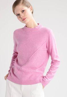 Holzweiler. BISMUTH - Jumper - pink. Ermelengde:Langermet,64 cm i størrelse S. Lengde:normal lengde. Totallengde:60 cm i størrelse S. Overmateriale:100% ull. Mønster:melert. Passform:vid. Modellhøyde:Modellen er 178 cm høy og har på s... Bismuth, Jumper, Pullover, Sweaters, Pink, Fashion, Scale Model, Moda, Fashion Styles
