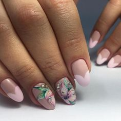 Manicure with flowers: the best drawings on the nails. Glitter Manicure, Gelish Nails, Nail Manicure, Manicure Ideas, Cute Gel Nails, Gel Nail Art, Pink Nails, Beautiful Nail Designs, Beautiful Nail Art