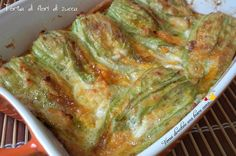 torta di fiori di zucca Vegetarian Recipes, Cooking Recipes, Healthy Recipes, Zucchini Lasagna, Romanian Food, Fat Burning Foods, Antipasto, Relleno, Italian Recipes
