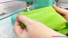 Sewing down the folded edge of the filter pocket layer Easy Face Masks, Diy Face Mask, Diy Mask, Sewing Hacks, Sewing Tutorials, Sewing Ideas, Sewing Patterns, Sewing Tips, Quilting Projects