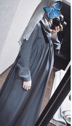 Bumil syar'i Moslem Fashion, Arab Fashion, Cute Dresses, Girls Dresses, Breastfeeding Fashion, Modele Hijab, Hijab Style, Hijab Fashion Inspiration, Muslim Dress