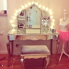 WeHeartIt: Makeup Vanity Love The Mirror!!! | Home Decor ♥ | Pinterest |  The Ou0027jays, Love And Vanities