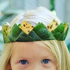 My kids and I have made a few nature crowns in our time but this has to be my favourite. It does take a little bit of time waiting for the leaves to dry but oh my it's totally worth it! #ontheblog #crown #nature #leaves #fall