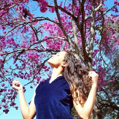 Renda-se, como eu me rendi. Mergulhe no que você não conhece como eu mergulhei. Não se preocupe em entender, viver ultrapassa qualquer entendimento.🌞🌸🌹Surrender, as I surrendered. Immerse yourself in what you do not know how I dove. Do not bother to understand, live passes all understanding.🌞🌸🌹 #bomdia #goodmorning #bom #good #happy #happiness #healthy #girl #instagram #instacool #instagood #eu #me #cool #fit #fitness #hair #lifestyle #likes #selfie #sunset #luz #light #live #flowers