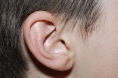 Ohrenschmerzen bei Mittelohrentzündung mit alten Hausmitteln behandeln