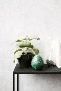 Manchmal ist eine kleine Vase der Hingucker auf dem Sideboard! Terrarium, Baby, Home Decor, Small Vases, Home Decor Accessories, Ad Home, Flowers, Homes, Terrariums