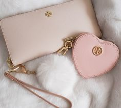Tory Burch Wallet and Coin Purse Backpack Purse, Purse Wallet, Coin Purse, Tory Burch, Luxury Purses, Just Girly Things, Beautiful Bags, Evening Bags, Bag Accessories