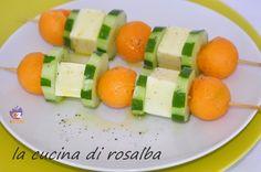 spiedini di melone cetrioli e formaggio