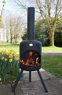 De BonFeu-BBQ terrashaard is een haard die tegelijkertijd dienst kan doen als barbecue. Deze terrashaard is een grote uitvoering van de traditionele BonFeu terrashaard. Daarnaast is de BonFeu-BBQ uitgerust met het unieke BonFeu BBQ draaiplateau. Met het barbecue draaiplateau onderscheidt de BonFeu zich van alle traditionele barbecues. Het draaiplateau is eenvoudig in en uit de haard te draaien zonder direct in contact met de warmtebron te komen. Nu bij Vuurkorfwinkel.nl slechts € 159,95