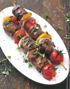 In en om die huis: Boerewors-sosaties Olive Oil And Vinegar, Dried Tomatoes, Cherry Tomatoes, South African Recipes, Ethnic Recipes, Kebab Sticks, Braai Recipes, Feeding A Crowd