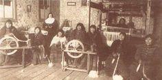 Un grupo de mujeres Selknam (ONAS) en la misión Candelaria de Río Grande.