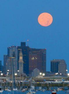 full_moon_city