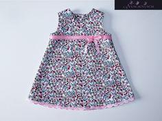 Süße Babykleidchen mit wunderschöne Blumen. Das Kleid ist aus sehr leichten und weichen Baumwollstoff. Angenehm für Zartes Babyhaut. Ich nähe gerne au