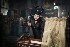 New Maleficent images from Disney's live-action take on the Sleeping Beauty villain, starring Angelina Jolie, Elle Fanning, Sam Riley, and Sharlto Copley. Film Maleficent, Angelina Jolie Maleficent, Maleficent Costume, Maleficent Party, Maleficent Makeup, Villain Costumes, Movie Costumes, Sam Riley, Disney Villains