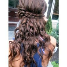 pretty braided hairstyle--hope my hair will be long enough to pull something like this off!