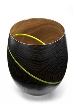 Lumi-naissance, 2011 | acacias, incrustation d'acryl | diam 13 cm, h 20 cm
