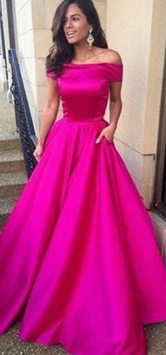 Vestido longo de esta ombro a ombro rosa pink cetim