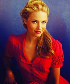 This is Dianna Argon, i think she's so pretty! i like her hair!