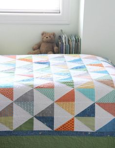 PDF Pattern for Geometric Modern Cot Crib Patchwork Quilt in triangles. Sew your own handmade quilt. PDF Pattern for Geometric Modern Cot Crib Patchwork Quilt. Love the colour combo Geometric Navy and Lime Handmade Modern Cot Crib Patchwork Quilt with whi Quilting Projects, Quilting Designs, Sewing Projects, Quilting Ideas, Quilting Tutorials, Patchwork Quilting, Scrappy Quilts, Cot Cot Coudre, Cluck Cluck Sew