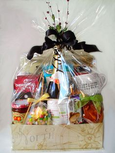 Holiday Gift Baskets, Wine Gift Baskets, Holiday Gifts, Baby Shower Gift Basket, Baby Shower Gifts, Baby Gifts, Coffee Baskets, Golf Drawing, Real Estate Gifts