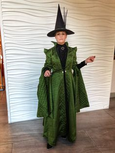 Costuming McGonagall from Harry Potter – Red Shoes. Red Wine.