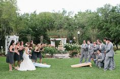 so cute. @Alyssa Huegel @Amanda Young you need this shot at your wedding.