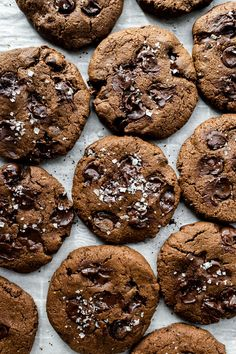 Amazing Vegan Chocolate Cookies that are gluten-free, oil-free and so easy to make! They are fudgy, rich, super decadent and have bonus flavors of espresso and sea salt for the most delicious vegan gluten-free chocolate chip cookies! Vegan Sweets, Vegan Desserts, Vegan Recipes, Free Recipes, Gluten Free Chocolate Chip Cookies, Gluten Free Cookies, Thing 1, Vegan Gluten Free, Dairy Free