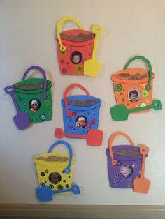 Summer days Daycare entry pics - Sand pail and shovel - saved by George -n- Rebecca Richins Daycare Crafts, Classroom Crafts, Preschool Activities, Preschool Summer Crafts, Beach Theme Preschool, Ocean Crafts, Baby Crafts, Fun Crafts, Summer Arts And Crafts