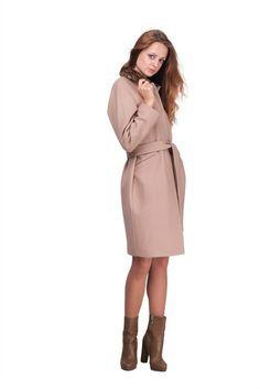 Пальто бежевое свободной формы lilo